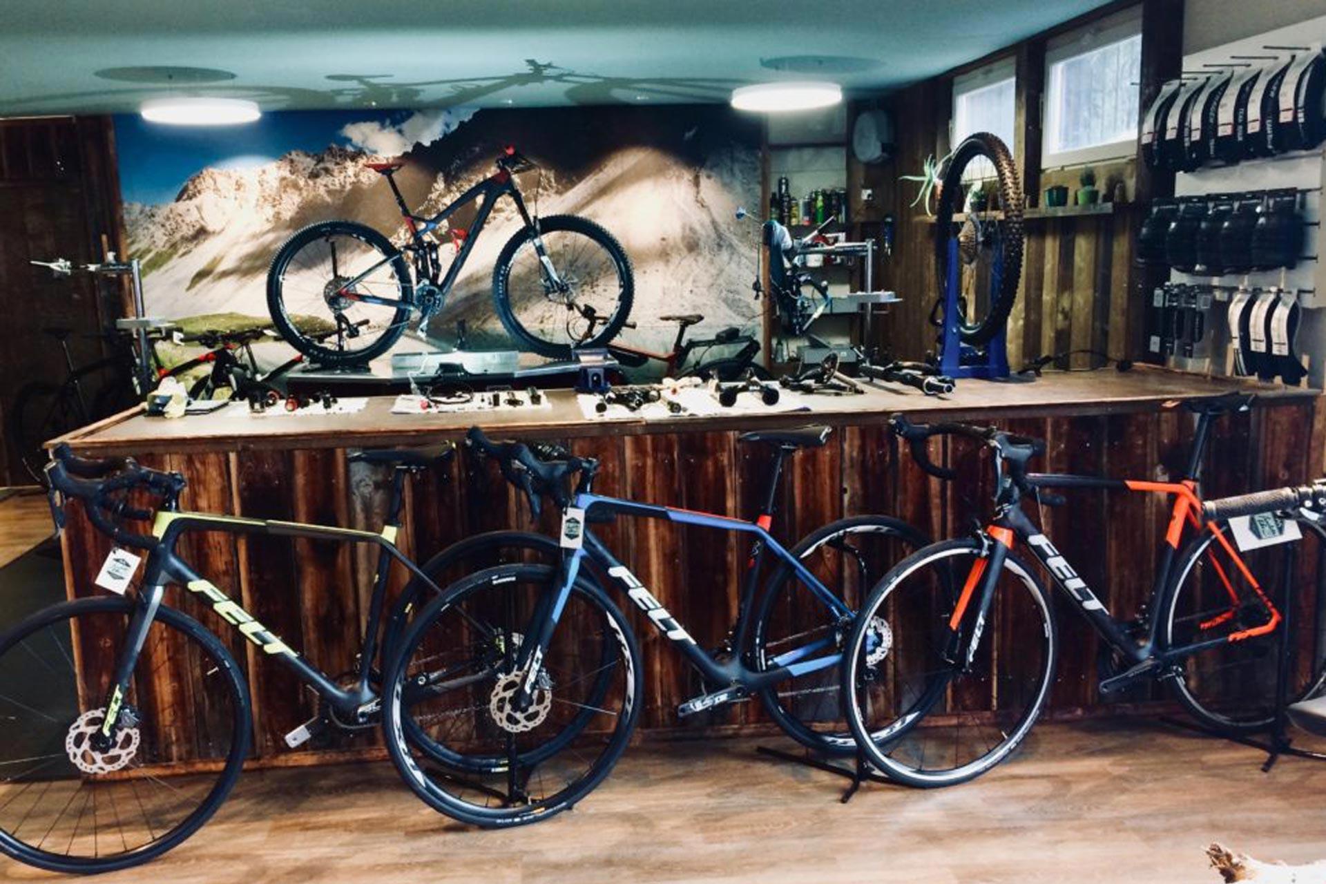 Bikeshop Lenzerheide Ausstellung